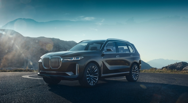 BMW is entering top SUV class with a hybrid