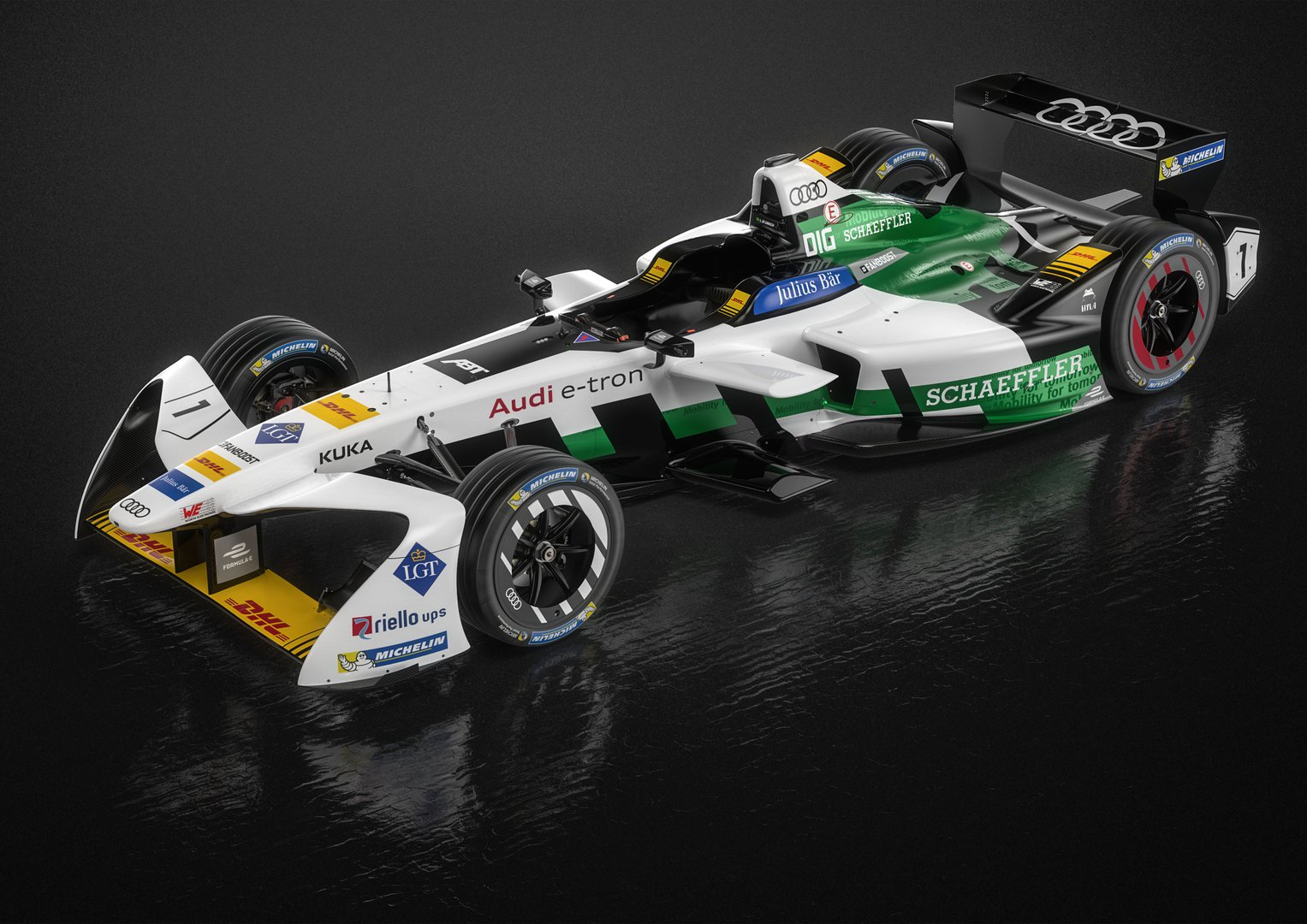 audi introduced its first all electric racing car driving