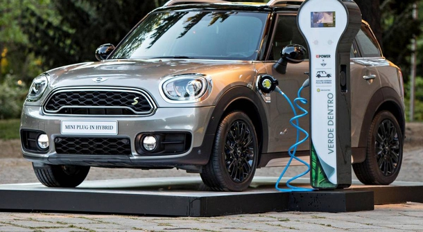 First charge: Mini Countryman S E ALL4