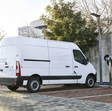 Renault electrifies its biggest van