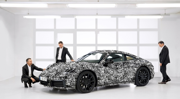 Porsche 911 PHEV will have groundbreaking performances