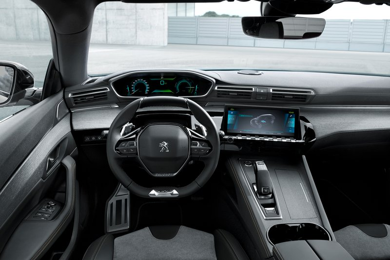 ... petrol engine and 80 kW electric motor, which develops systemic power of 165 kW and emits less than 49 g of carbon dioxide per kilometer while driving.
