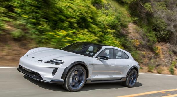 Porsche Cross Turismo becoming a reality