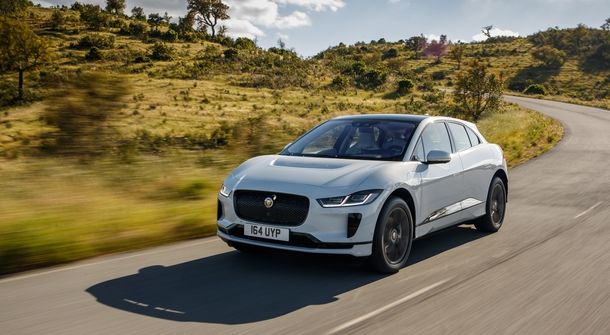 Jaguar I-Pace is Profesional Driver's car of the year