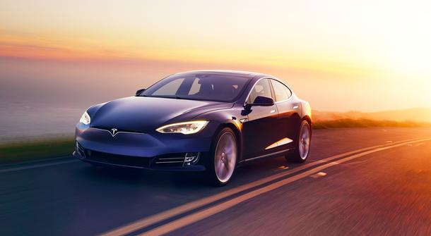 Video: Autonomous Tesla hit and 'killed' autonomous robot