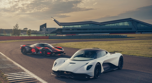 Aston Martin Valkyrie and Valhalla to roll together in USA for the fisrt time.