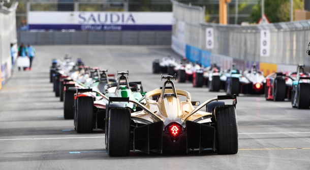 Formula E Sesion 6 is on!